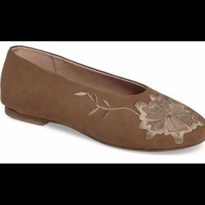 Seychelles Campfire Embroidered Flat shoes